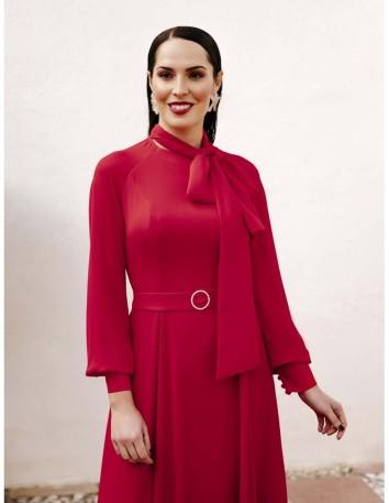 Red midi dress with long sleeves and a chiffon skirt at INVITADISIMA