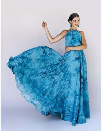 Vestido de gasa estampada con falda de capa y top ablusado.Color azul océano Victoria Victim - 1