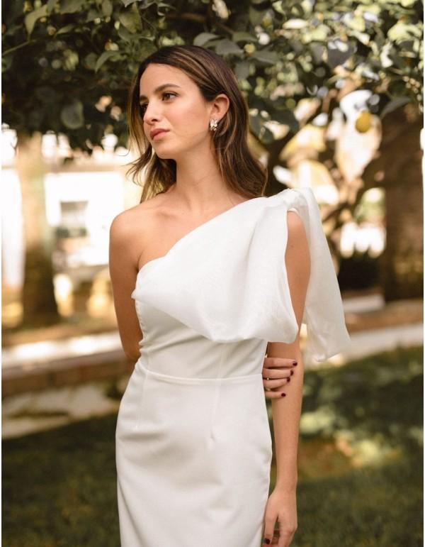 Vestido de novia midi en crepe con detalle lazo de Miphai - 1