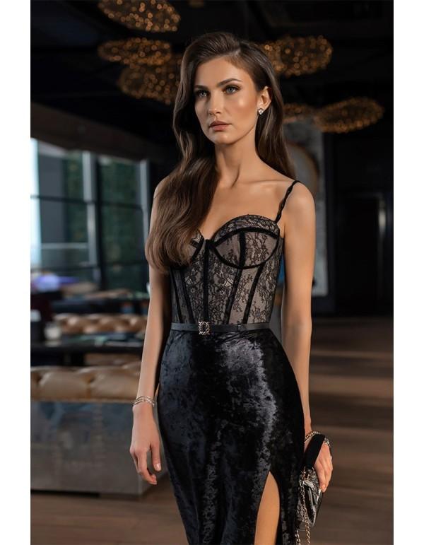 Vestido de fiesta largo de terciopelo negro y cuerpo de encaje