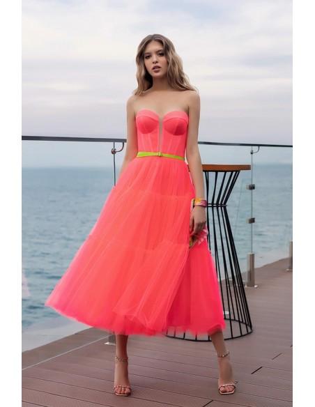 Vestido de fiesta midi coral flúor y escote palabra de honor Oksana Mukha - 1