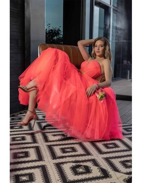Vestido de fiesta midi coral flúor y escote palabra de honor Oksana Mukha - 2