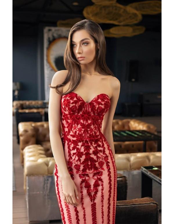 Vestido midi con escote corazón y flocado floral