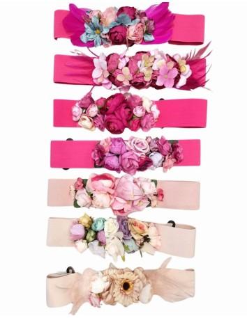 Flower belt in shades of pink
