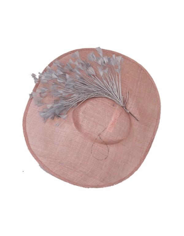 Pamela de ala ancha con plumas nude y gris Lamatte - 1