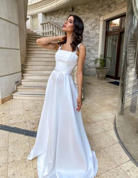 Vestido de novia largo con tirante ancho y escote cuadrado en INVITADISIMA