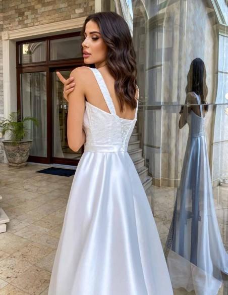 Vestido de novia largo con tirante ancho y escote cuadrado de Lanesta
