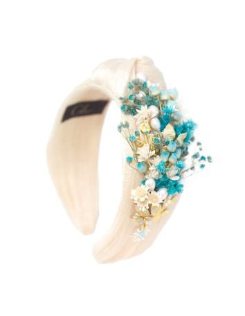 Ecru knot headband with preserved flowers in blue tones de Cala by Lilian