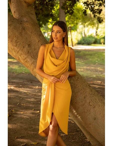 Blusa en color mostaza con cuello holgado CAYRO - 4