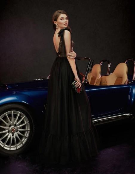 Vestido de fiesta largo con falda de tul negra y cuerpo bordado Ariamo Fashion Group - 2