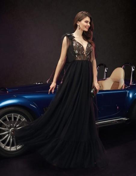 Vestido de fiesta largo con falda de tul negra y cuerpo bordado Ariamo Fashion Group - 1