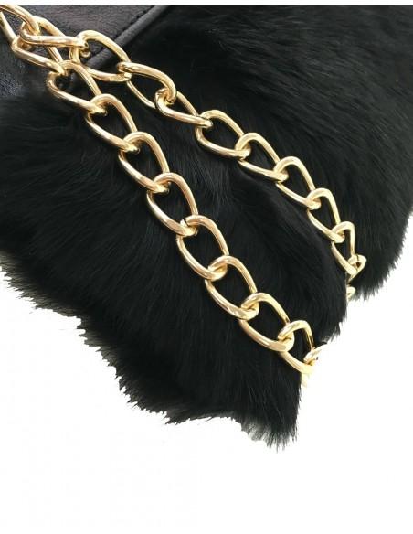 Cluth de piel negro. Diseñado por Angela Valentine.