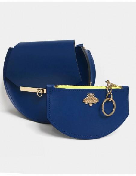 Cartera azul klein con detalle de abeja de Angela Valentine