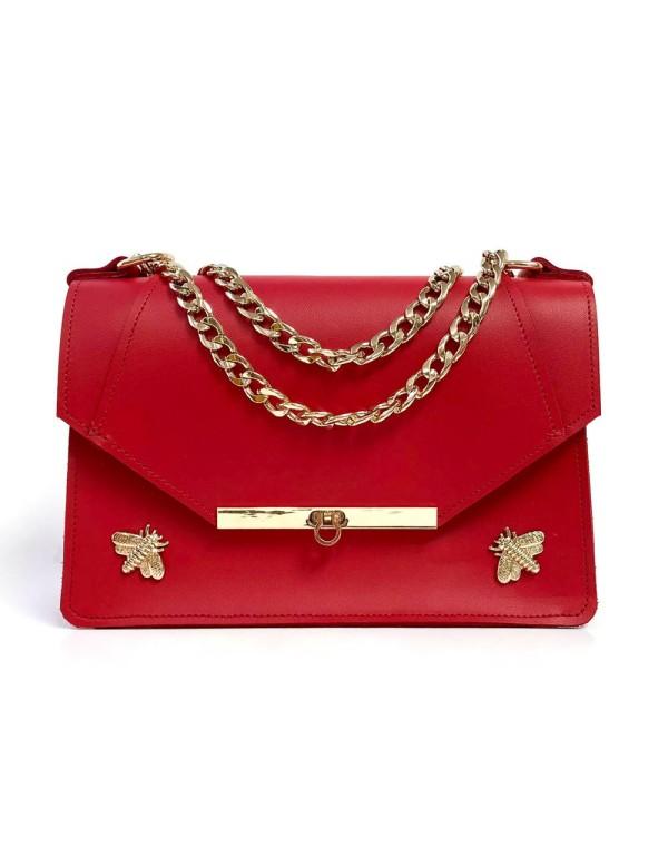 Bolso de piel rojo con detalles de abejas y cadena larga de Angela Valentine.