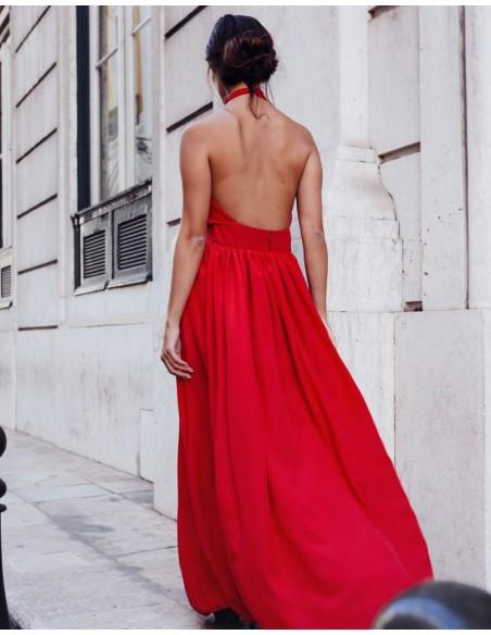 Vestido largo de fiesta cruzado rojo para INVITADISIMA