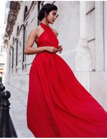 Vestido largo de fiesta cruzado rojo de Mauî para INVITADISIMA