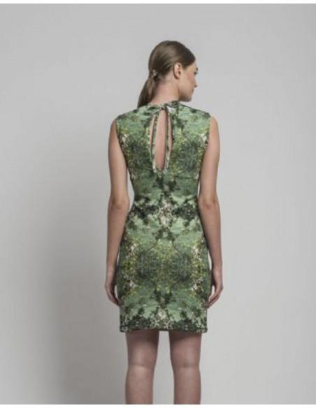 vestido de fiesta verde con estampado en INVITADISIMA