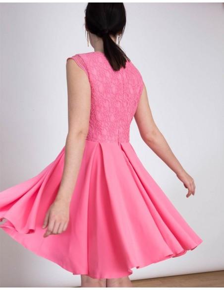 Lace cocktail dress in pink Lauren Lynn London - 3