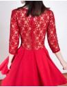 Vestido de cóctel rojo con cuerpo de encaje y espalda transparente de Lauren Lynn London INVITADISIMA
