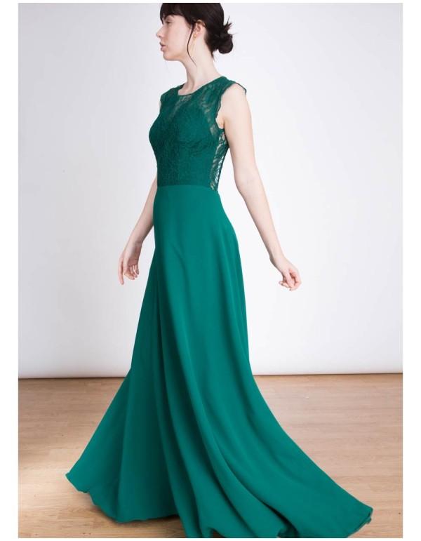 Vestido de fiesta largo verde con cuerpo  de encaje y espalda al aire INVITADISIMA