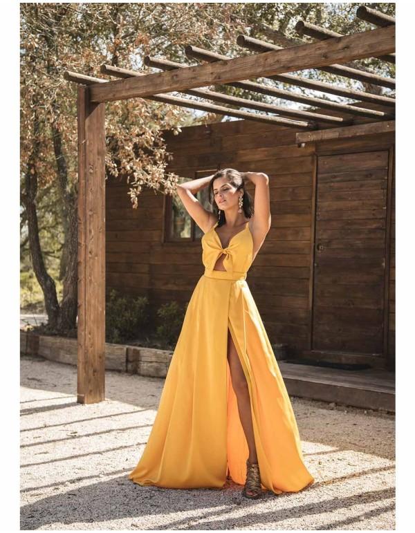 Vestido largo de fiesta con lazo mostaza Mauî Official - 2