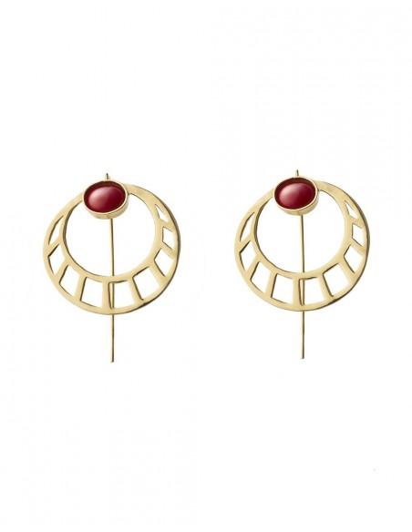 pendientes redondos dorados con piedra roja de Li Jewels para INVITADISIMA