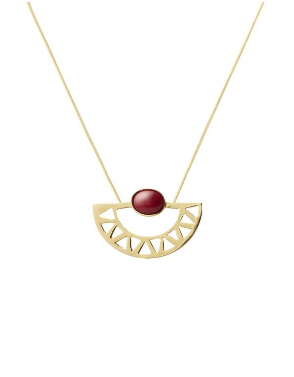 collar de luna egipcios dorado con piedra roja de Li Jewels para INVITADISIMA