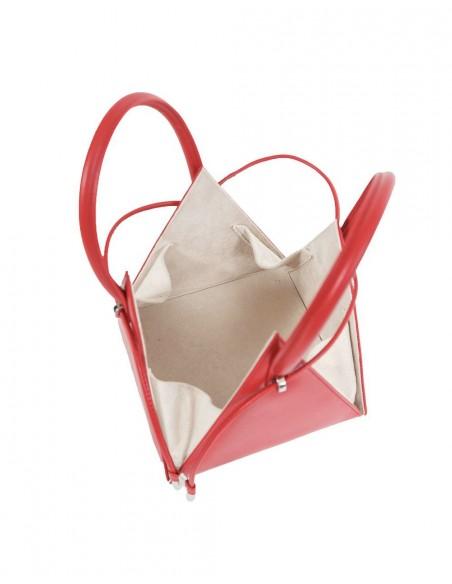 bolso piramidal rojo para invitadas
