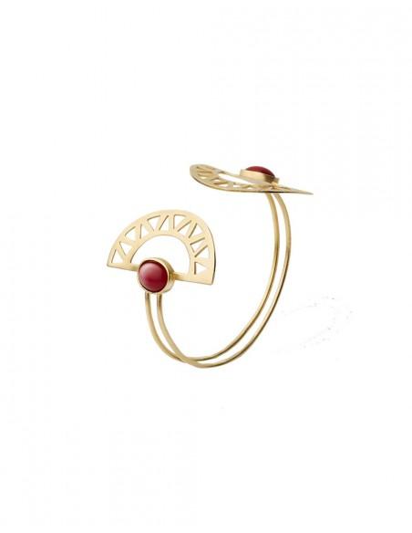 brazalete de luna egipcios dorado con piedra roja de Li Jewels para INVITADISIMA
