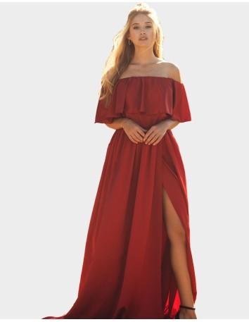Vestido largo de fiesta rojo con volantes y abertura de la falda de Maui para INVITADISIMA.