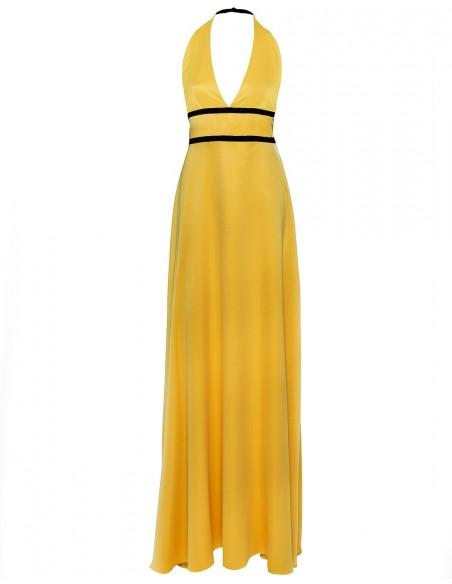 Vestido de fiesta largo de raso en color amarillo con detalle de dos cintas negras de Alenia.