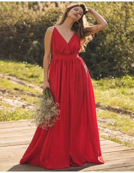 Vestido de fiesta largo rojo con escote v y abertura falda Mauî Official - 3