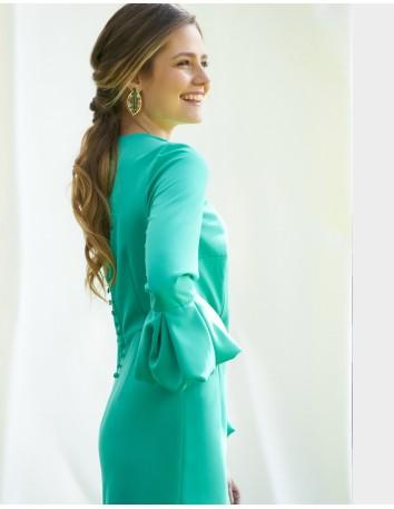 Vestido de fiesta de corte midi con falada recta y manga francesa abullonada de Alenia.