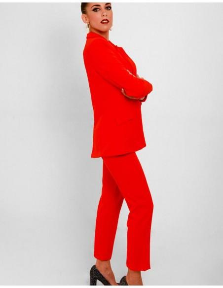 pantalon rojo pitillo