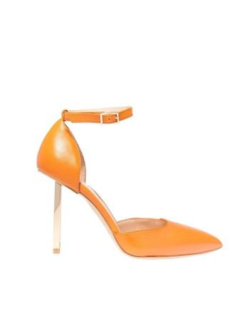 zapato salon naranja