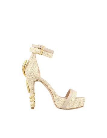 sandalia de plataforma con rafia