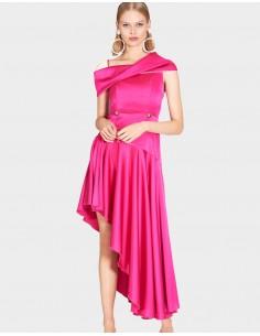 vestido largo fucsia con falda de vuelo